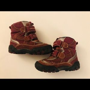 Small Fall boots, girl size 8